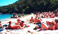 Obelisk Beach - Wikipedia