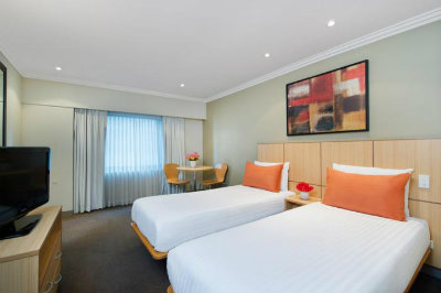 Travelodge Sydney Twin Room