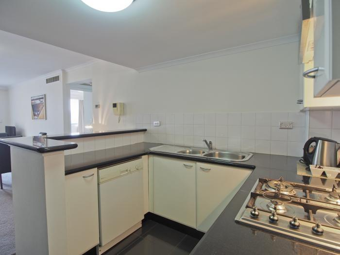 Oaks Castlereagh One Bed Kitchen